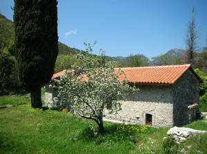 Nekada je bio jedan od najbogatijih manastira na ostrvu