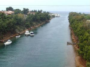 Kasandra je kanalom odvojena od ostatka Halkidikija