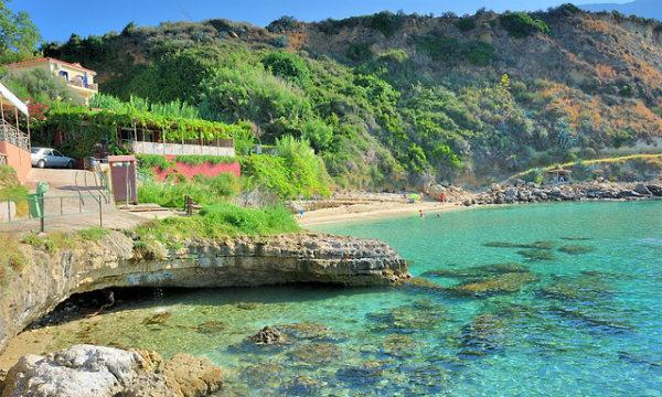 Kefalonijia-plaža-Agios-Tomas