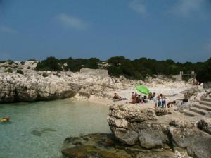 Kefalonija-plaža-Alaties