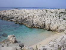 Kefalonijia-plaža-Alaties