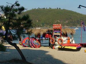 Plaža Kukunaries je potpuno organizovana