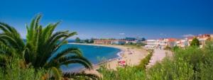 Pogled na plažu i nove hotele i apartmane