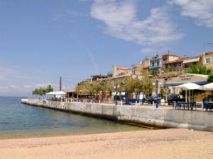 Gradska plaža u mestu Skala Maries