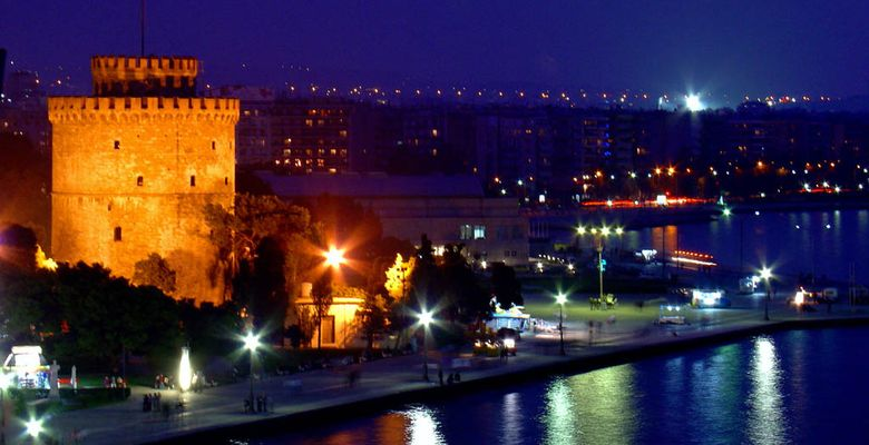 Thessaloniki-at-night-time