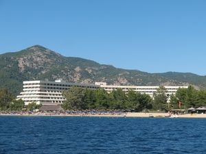 Pogled na hotelski kompleks Porto Karas