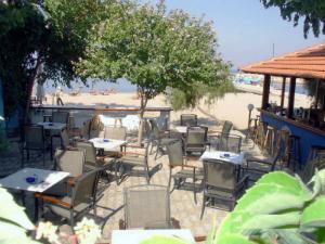 Na plaži postoji bar