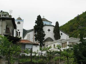 Selo je dobilo ime po crkvi Panagia