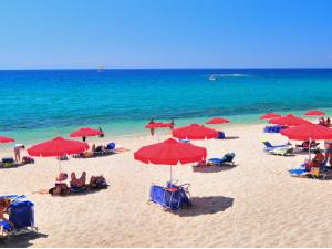 Pefkari je najpoznatiji po prelepoj peščano-šljunkovitoj plaži