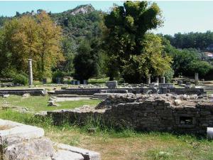 Ulaz u Agoru se nalazi odmah pored Arheološkog muzeja