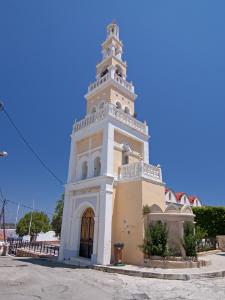 Jedna od brojnih crkava u selu Koskinu