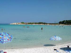 Karidi je jedna od najpopularnijih plaža na Sitoniji