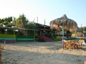 Beach bar Ethnik je jedan od najpopularnijih na Sitoniji
