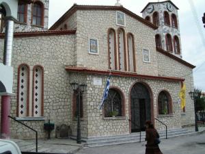 Prelepa crkvu u selu Agios Nikolaos