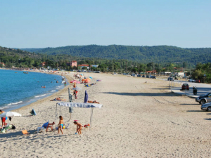 Dugačka peščana plaža Trani Ammouda