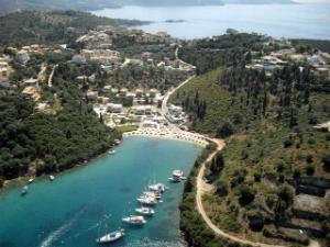 Plaža Karvuno se nalazi u samoj Sivoti
