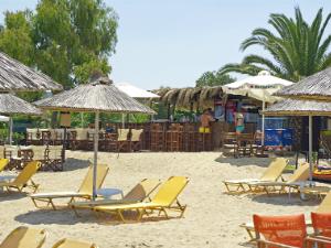 Plaža Komica je između ostalog poznata po odličnom kampu i beach baru